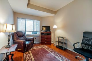 "Photo 16: 404 5262 OAKMOUNT Crescent in Burnaby: Oaklands Condo for sale in ""St Andrews"" (Burnaby South)  : MLS®# R2428720"