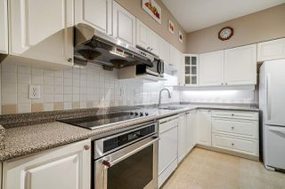 "Photo 5: 404 5262 OAKMOUNT Crescent in Burnaby: Oaklands Condo for sale in ""St Andrews"" (Burnaby South)  : MLS®# R2428720"