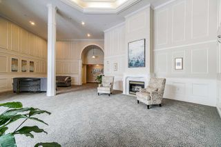 """Photo 2: 404 5262 OAKMOUNT Crescent in Burnaby: Oaklands Condo for sale in """"St Andrews"""" (Burnaby South)  : MLS®# R2428720"""