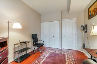 "Photo 17: 404 5262 OAKMOUNT Crescent in Burnaby: Oaklands Condo for sale in ""St Andrews"" (Burnaby South)  : MLS®# R2428720"
