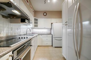 "Photo 4: 404 5262 OAKMOUNT Crescent in Burnaby: Oaklands Condo for sale in ""St Andrews"" (Burnaby South)  : MLS®# R2428720"