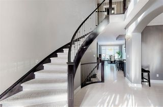 Photo 2: 2124 90 Street in Edmonton: Zone 53 House for sale : MLS®# E4186006