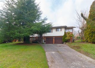 Photo 1: 7246 Walcer Place in SAANICHTON: CS Saanichton Single Family Detached for sale (Central Saanich)  : MLS®# 420932
