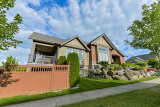 "Photo 3: 29305 BORDEAUX Terrace in Abbotsford: Aberdeen House for sale in ""Pepin Brook"" : MLS®# R2439519"