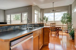 Photo 7: 234 SPRINGBOROUGH Way SW in Calgary: Springbank Hill Detached for sale : MLS®# C4300509