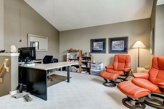 Photo 16: 234 SPRINGBOROUGH Way SW in Calgary: Springbank Hill Detached for sale : MLS®# C4300509