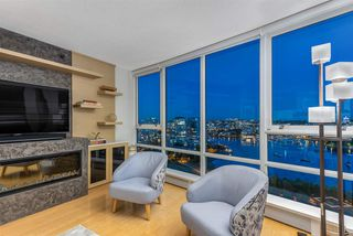 Photo 3: 2101 1408 STRATHMORE MEWS in Vancouver: Yaletown Condo for sale (Vancouver West)  : MLS®# R2489740