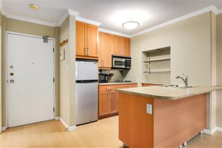 """Photo 14: 707 950 DRAKE Street in Vancouver: Downtown VW Condo for sale in """"ANCHOR POINT 2"""" (Vancouver West)  : MLS®# R2512201"""