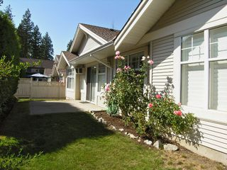 "Photo 1: 21 20751 87TH AV in Langley: Walnut Grove Townhouse  in ""Summerfield"" : MLS®# F2619443"