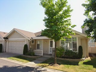 """Photo 3: 21 20751 87TH AV in Langley: Walnut Grove Townhouse  in """"Summerfield"""" : MLS®# F2619443"""
