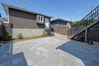 Photo 18: 1391 E 61ST Avenue in Vancouver: South Vancouver House for sale (Vancouver East)  : MLS®# R2391341