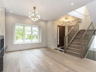 """Photo 3: 4618 W 8TH Avenue in Vancouver: Point Grey House for sale in """"POINT GREY"""" (Vancouver West)  : MLS®# R2415762"""