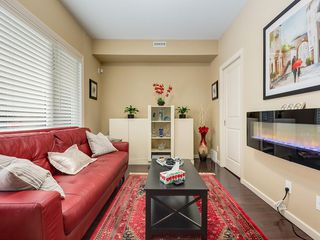 Photo 5: 307 VALLEY RIDGE Manor NW in Calgary: Valley Ridge Row/Townhouse for sale : MLS®# C4289268
