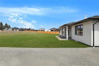 Photo 38: 752 Sitka St in : CR Willow Point Single Family Detached for sale (Campbell River)  : MLS®# 850649