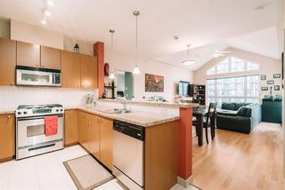 """Main Photo: 511 14 E ROYAL Avenue in New Westminster: Fraserview NW Condo for sale in """"Victoria Hill"""" : MLS®# R2531829"""