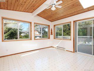 Photo 11: 1210/1208 Wychbury Avenue in VICTORIA: Es Saxe Point Single Family Detached for sale (Esquimalt)  : MLS®# 415125