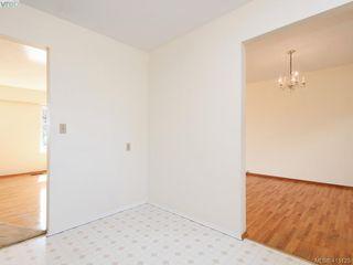 Photo 6: 1210/1208 Wychbury Avenue in VICTORIA: Es Saxe Point Single Family Detached for sale (Esquimalt)  : MLS®# 415125