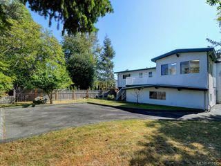 Photo 18: 1210/1208 Wychbury Avenue in VICTORIA: Es Saxe Point Single Family Detached for sale (Esquimalt)  : MLS®# 415125