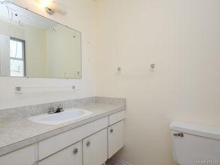 Photo 9: 1210/1208 Wychbury Avenue in VICTORIA: Es Saxe Point Single Family Detached for sale (Esquimalt)  : MLS®# 415125