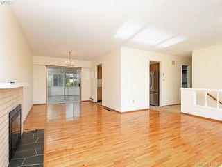 Photo 3: 1210/1208 Wychbury Avenue in VICTORIA: Es Saxe Point Single Family Detached for sale (Esquimalt)  : MLS®# 415125