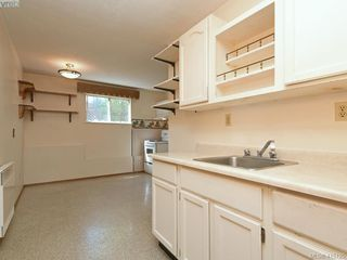 Photo 14: 1210/1208 Wychbury Avenue in VICTORIA: Es Saxe Point Single Family Detached for sale (Esquimalt)  : MLS®# 415125
