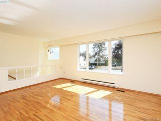 Photo 4: 1210/1208 Wychbury Avenue in VICTORIA: Es Saxe Point Single Family Detached for sale (Esquimalt)  : MLS®# 415125