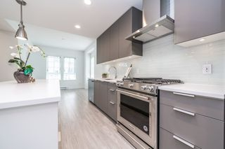 """Photo 8: 2124 SPRING Street in Port Moody: Port Moody Centre Townhouse for sale in """"Edgestone by Bold"""" : MLS®# R2439512"""