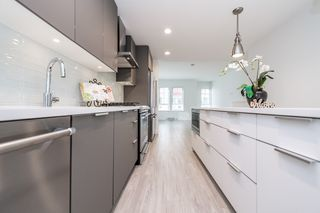 """Photo 6: 2124 SPRING Street in Port Moody: Port Moody Centre Townhouse for sale in """"Edgestone by Bold"""" : MLS®# R2439512"""
