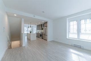"""Photo 10: 2124 SPRING Street in Port Moody: Port Moody Centre Townhouse for sale in """"Edgestone by Bold"""" : MLS®# R2439512"""