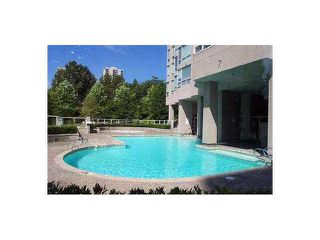 """Photo 10: 701 9623 MANCHESTER Drive in Burnaby: Cariboo Condo for sale in """"Strathmore Towers"""" (Burnaby North)  : MLS®# R2466023"""