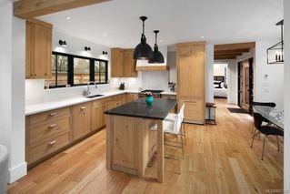 Photo 3: 2264 Windsor Rd in : OB South Oak Bay Single Family Detached for sale (Oak Bay)  : MLS®# 845305