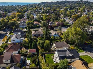 Photo 28: 1035 Roslyn Rd in : OB South Oak Bay House for sale (Oak Bay)  : MLS®# 855096