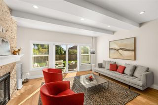 Photo 8: 1035 Roslyn Rd in : OB South Oak Bay Single Family Detached for sale (Oak Bay)  : MLS®# 855096