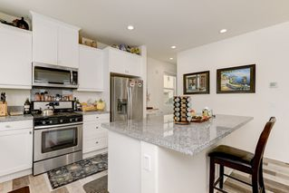 Photo 6: OCEANSIDE House for sale : 4 bedrooms : 4128 Via Del Ray