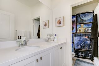 Photo 8: OCEANSIDE House for sale : 4 bedrooms : 4128 Via Del Ray