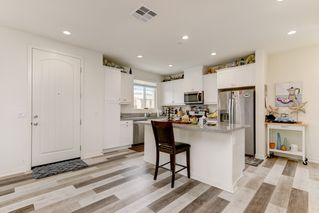 Photo 4: OCEANSIDE House for sale : 4 bedrooms : 4128 Via Del Ray