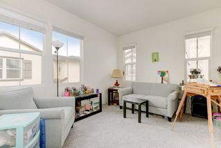 Photo 12: OCEANSIDE House for sale : 4 bedrooms : 4128 Via Del Ray