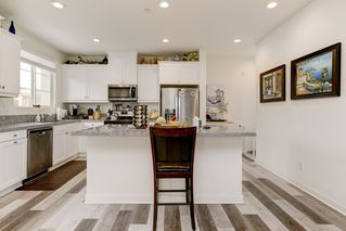 Photo 3: OCEANSIDE House for sale : 4 bedrooms : 4128 Via Del Ray