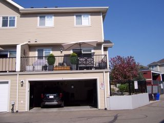 Photo 28: 1 675 ALBANY Way in Edmonton: Zone 27 Townhouse for sale : MLS®# E4179424