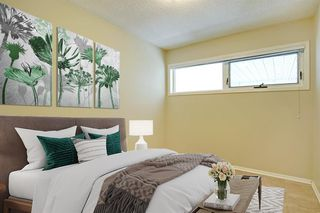 Photo 17: 108 Langton Drive SW in Calgary: North Glenmore Park Detached for sale : MLS®# A1009701