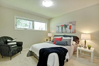 Photo 12: 108 Langton Drive SW in Calgary: North Glenmore Park Detached for sale : MLS®# A1009701