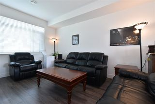 """Photo 3: 35 34230 ELMWOOD Drive in Abbotsford: Abbotsford East Townhouse for sale in """"TEN OAKS"""" : MLS®# R2496403"""
