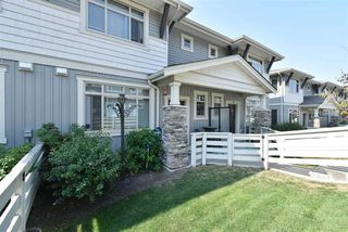 """Photo 2: 35 34230 ELMWOOD Drive in Abbotsford: Abbotsford East Townhouse for sale in """"TEN OAKS"""" : MLS®# R2496403"""