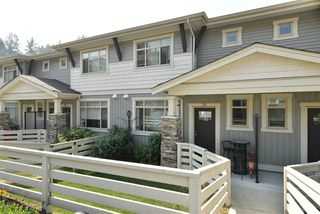 """Photo 1: 35 34230 ELMWOOD Drive in Abbotsford: Abbotsford East Townhouse for sale in """"TEN OAKS"""" : MLS®# R2496403"""