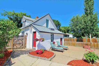 Photo 2: 12101 38 Street in Edmonton: Zone 23 House for sale : MLS®# E4166829