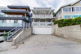 Photo 2: 15062 VICTORIA Avenue: White Rock House for sale (South Surrey White Rock)  : MLS®# R2424080