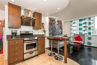 "Photo 2: 1204 1250 BURNABY Street in Vancouver: West End VW Condo for sale in ""THE HORIZON"" (Vancouver West)  : MLS®# R2425959"
