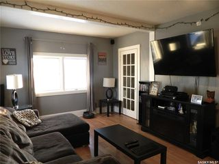 Photo 2: 613 6th Avenue West in Nipawin: Residential for sale : MLS®# SK798589