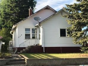Photo 1: 613 6th Avenue West in Nipawin: Residential for sale : MLS®# SK798589