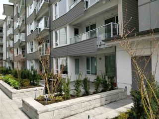 "Photo 2: 110 255 W 1ST Street in North Vancouver: Lower Lonsdale Condo for sale in ""WEST QUAY"" : MLS®# R2458983"